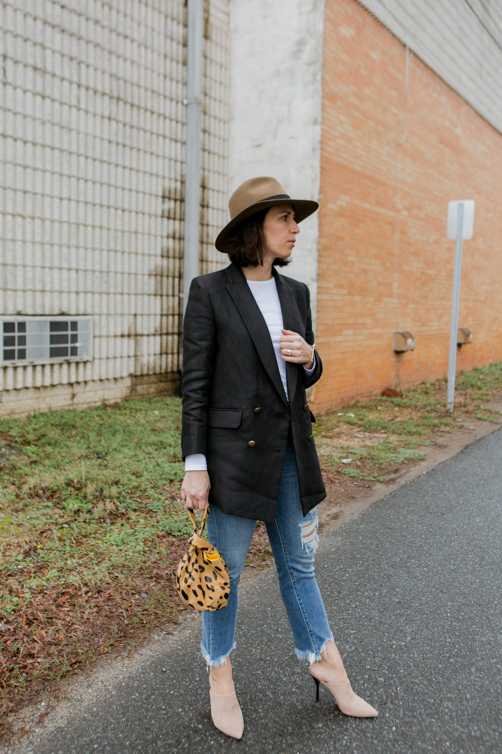 how to wear an Oversized blazer